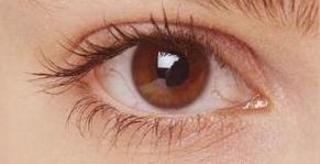 Ezért különlegesek a barna szemű nők! Ez még őket is meglepi majd